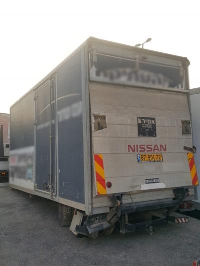 מגה וברק משאיות איווקו למכירה - איווקו טרייד אין 2013   משאיות יד שניה HS-51